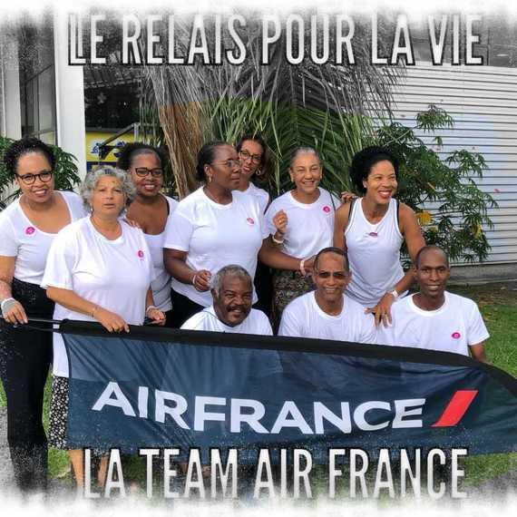 LA TEAM AIR FRANCE MARTINIQUE EN ACTION Avec ses partenaires AIR FRANCE et le CSE AF